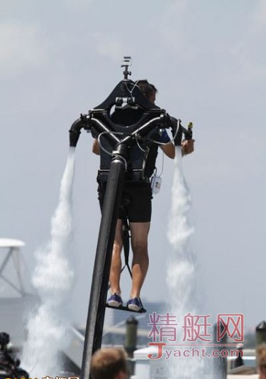 贵族水上玩具:水上飞行器Jetlev