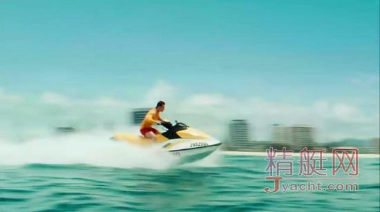从电影《大海啸之鲨口逃生》谈摩托艇