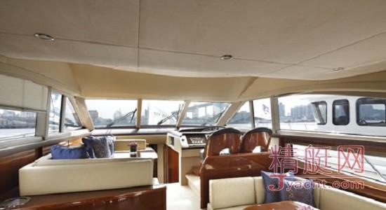 上海半岛酒店推出Princess 54豪华游艇游览服务