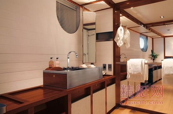 默多克和邓文迪2970万美元转让56米Perini Navi双桅帆船Rosehearty