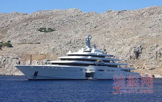 俄罗斯亿万富翁罗曼・阿布拉莫维奇所拥有的长达162米的Eclipse。该游艇由德国船厂Blohm & Voss于2010年建成