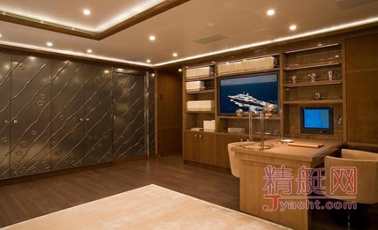 游艇内装材料与家庭内装材料的比较