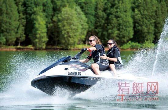 驾驶摩托艇注意事项