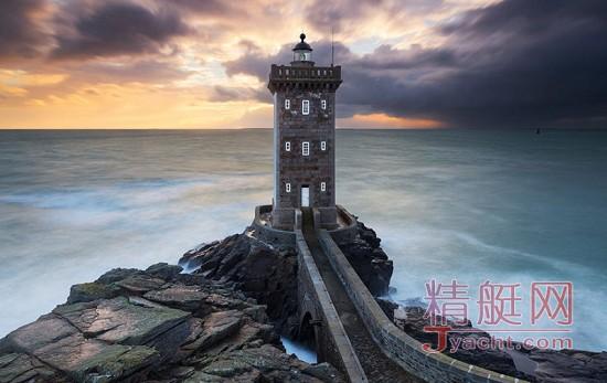 法国布吕尼_去世界尽头看最美的25座灯塔_精艇游艇网