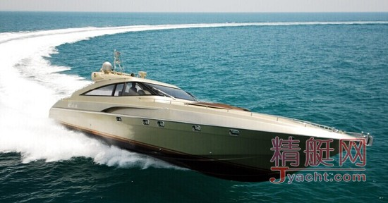 AB-58 采用了更先进的生产工艺及碳纤维、芳纶等性能优异的复合材料,兼具坚固和轻盈, 赋予了她更高的效能及良好的操控性、 安全舒适性。外形轮廓激情前卫,流线型的船首与尾部硬顶优雅连接,使得她在 50节的高速航行下,依旧能保证优雅舒适的艇内环境。 V 字形的船体配合喷水推进器, 只需在您的挥手之间,就可以完成前行、 侧转、原地 360度旋转等动作。让驾驭变得易如反掌,让操控成为极致享受,这就是AB-58 带给您的无限航海乐趣。 本游艇为定制游艇,除船体结构不能改变,所有设备,内饰,用料,配色均可定制。打
