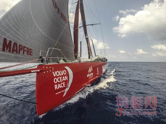 曼福队(Team Mapfre)随船记者Francisco Vignale (弗朗西斯科・维尼亚莱)