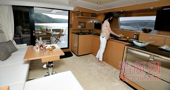 Fountaine Pajot(枫丹白露)