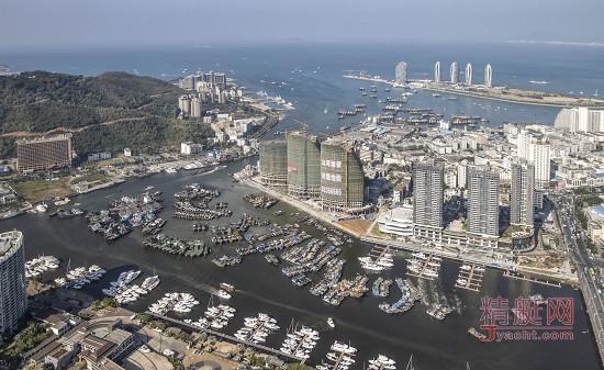 三亚港三亚鸿洲国际游艇会