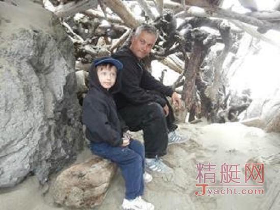一个爸爸给儿子解释 航行与大海的魅力