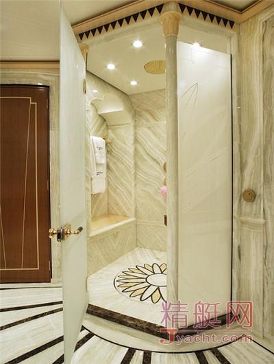 独具匠心的浴室设计——游艇上的一大亮点