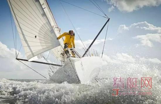 罗宾爵士——世界首位单人无间断帆船环球