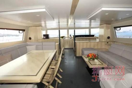 飞驰游艇携枫丹白露双体动力艇旗舰型号QUEENSLAND 55加盟海天盛筵