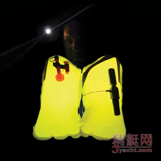 Spinlock Lume-On发光救生衣 | 再也不怕夜间落水了――DAME大奖冠军