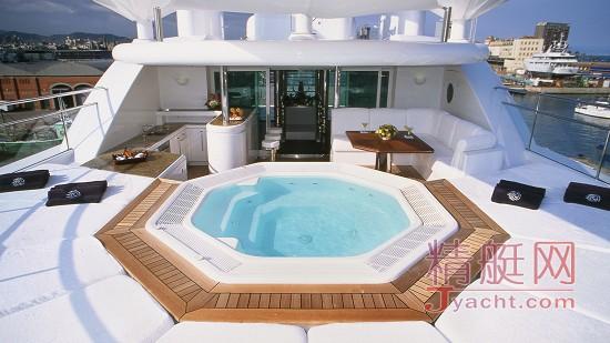 洗个澡也要不一样的体验,围观超级游艇上的浴缸