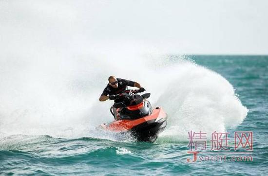 第一艘中国的BRP 300匹Sea-Doo到货并交付