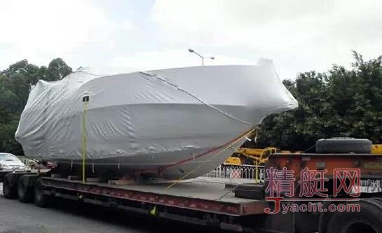 14米游艇被巨浪冲下运输船 撞岩沉没 | 聊聊游艇运输