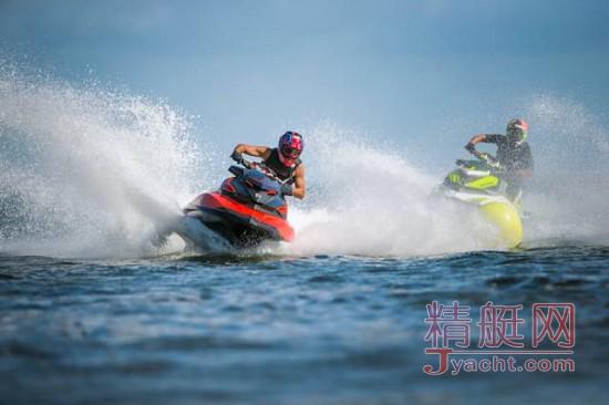 300匹强劲动力 BRP庞博惊艳上海游艇展