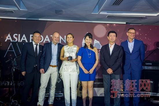 MADAME KATE号摘得第十二届亚洲游艇奖――全球最佳半定制船艇桂冠