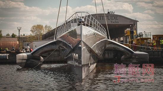 破纪录 | 全球最大三体动力艇(53米)下水Latitude Yachts