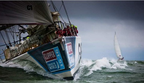 克利伯环球帆船赛创始人纽约敲响股票交易市场开市钟