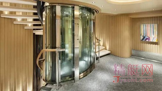 游艇上的电梯有何不同81.80米Kibo