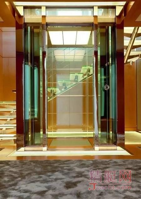 游艇上的电梯有何不同87.78米Musashi
