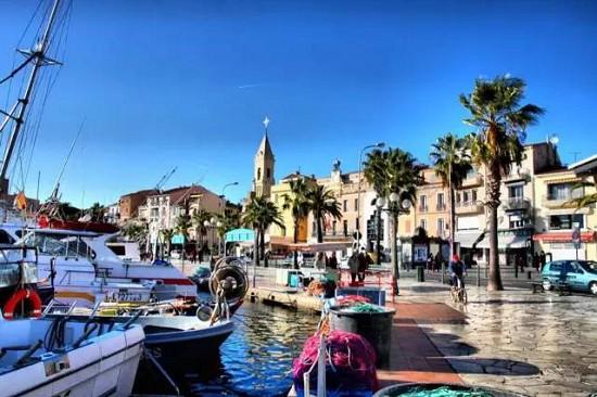 今夏最值得探访的9处地中海游艇目的地
