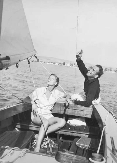好莱坞巨星经典老照片 · 游艇生活