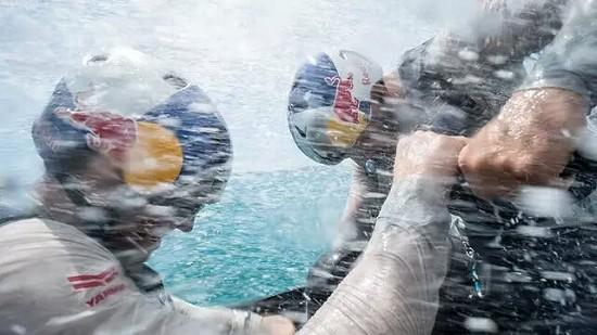是有多拼才能帅成这样! 美洲杯帆船赛赛船不是你想上就能上