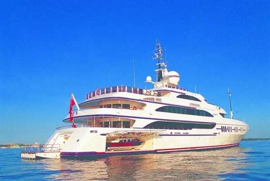 世界知名的意大利游艇制造商贝尼蒂游艇此次也携超豪华游艇Ambrosia参展