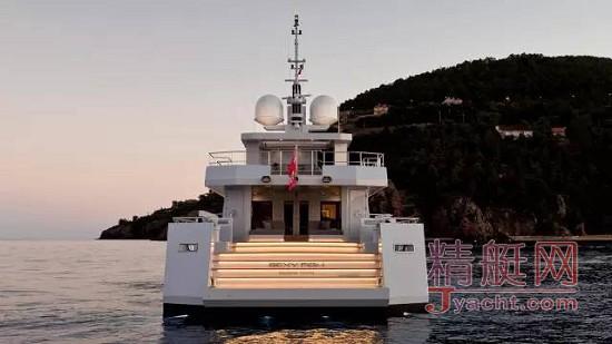 39.3米半排水型机动艇Sexy Fish(性感的鱼)由土耳其船厂Tansu Yachts自行设计并建造