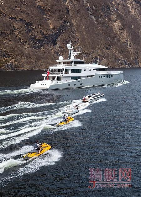 在游艇上办公的8种体验62.4米Event