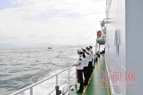 """三亚海事局开展""""大三亚""""旅游圈东部海域全线巡航"""