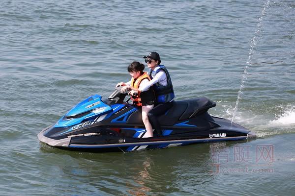 YAMAHA VXR摩托艇