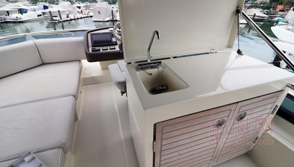 博纳多MC 5游艇