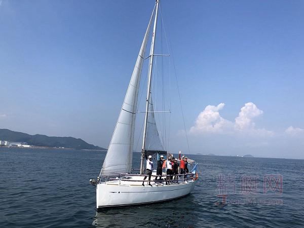 法国亚诺33尺帆船