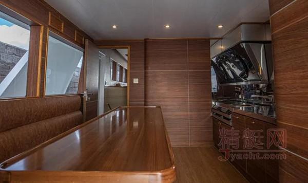 慕恩JY700D高速专业远航游钓艇