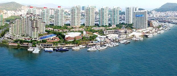 三亚鸿洲国际游艇会码头