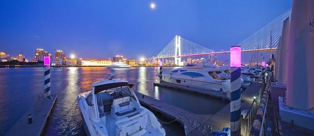 上海巴富仕游艇会