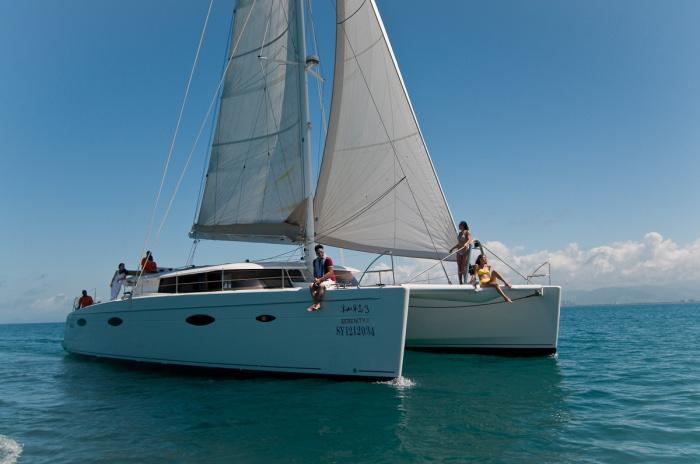 法国枫丹白鹭帆船