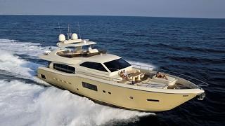 Ferretti Yachts Altura 840