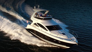 Sea Ray 450 SedanBridge