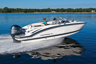 Chaparral 230 SunCost