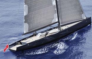 兼顾超级游艇的豪华和轻型帆船的敏捷,她做到了