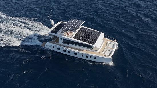 亚洲海域首款100%太阳能双体动力艇