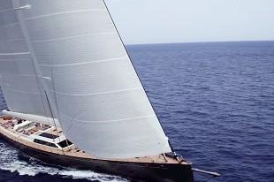 内饰奢华雅致!全球最大全碳纤维单桅帆船
