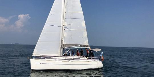 法国亚诺33帆船