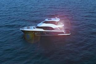亚洲首艘已售出!封闭式飞桥MCY 70 Skylounge