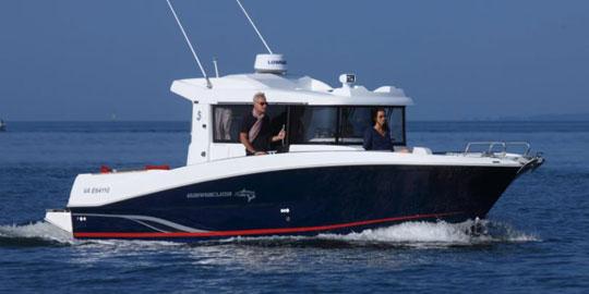 法国巴拉可达9钓鱼艇