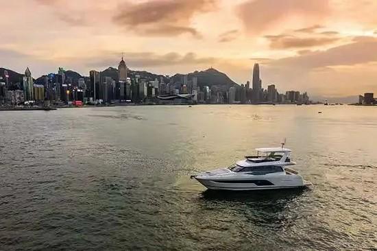 沛海弛香港船东的游艇生活